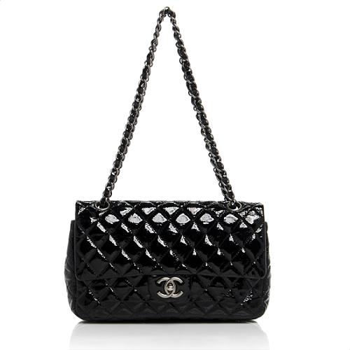 d62823fb2b0b Chanel-Classic-Small-Double-Flap-Shoulder-Bag_64512_front_large_1.jpg