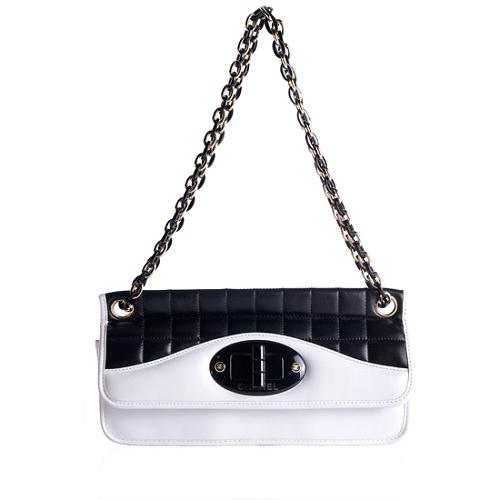 Chanel Quilted Lambskin Chain Link Shoulder Handbag
