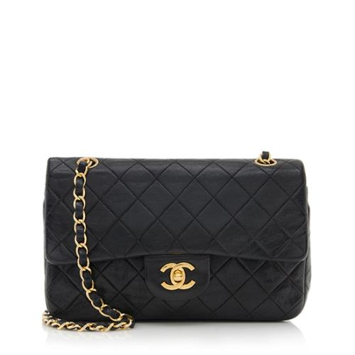 4fbd11bf31fd Chanel-Vintage-Classic-Medium-Double-Flap-Bag 72901 front large 0.jpg