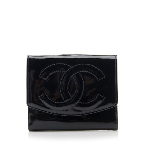 0094999297b469 Chanel-Vintage-Patent-Leather-CC-Wallet_75389_front_large_1.jpg