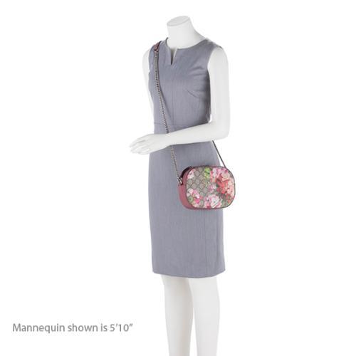 f5d6b44963ea Gucci GG Supreme Blooms Mini Chain Bag