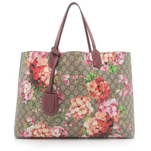 70545ffa9 Gucci-GG-Supreme-Blooms-Reversible-Large-Tote_89648_front_large_0.jpg