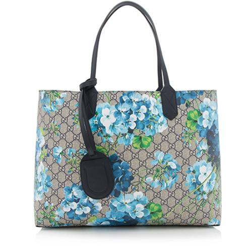 601fa85ea Gucci-GG-Supreme-Blooms-Reversible-Medium-Tote_89571_front_large_1.jpg