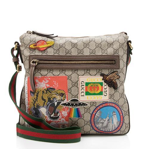 Gucci GG Supreme Medium Courrier Messenger Bag