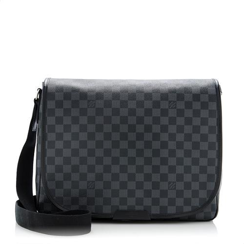 c2385702a0e20 Louis-Vuitton-Damier-Daniel-MM-Messenger-Bag 64959 front large 1.jpg