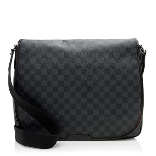 Louis Vuitton Damier Graphite Daniel GM Messenger Bag