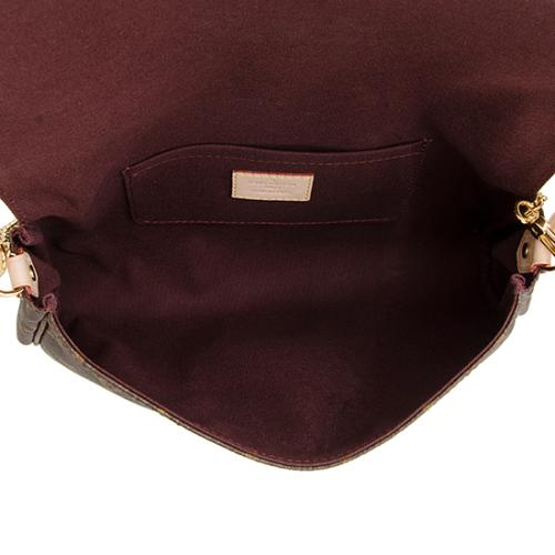 d685a237 Louis Vuitton Monogram Canvas Favorite MM Shoulder Bag