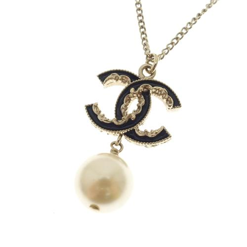 Chanel CC Pearl Necklace