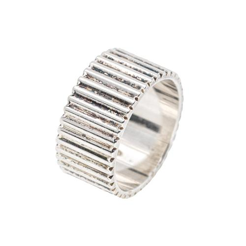 Gucci Etched Stripes Ring
