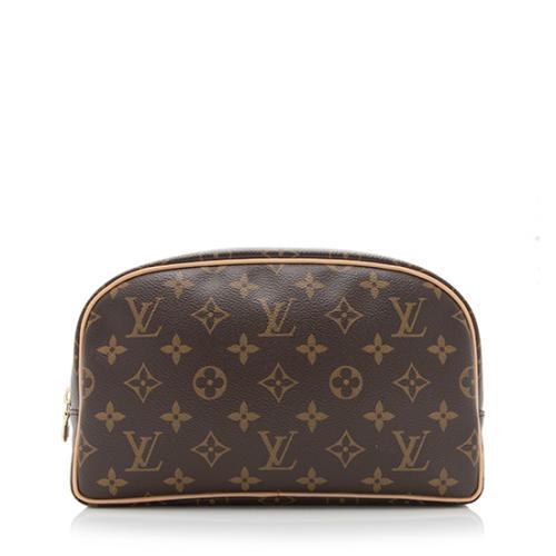 697b5fa6061 Louis-Vuitton-Monogram-Canvas-Trousse-Toiletry-Pouch -25 92777 front large 0.jpg